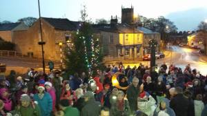 Guiseley gathers for carol singing